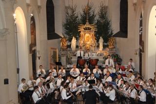 70 musiciens de l'harmonie Sart-Charneux pour le concert de Noël à Sart-lez-Spa